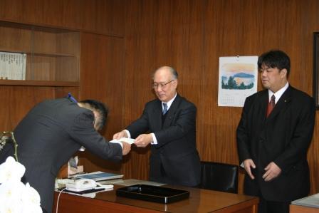 2010.12.29 人事異動に伴う辞令発令