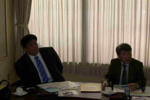 2010.2.8 市民クラブ行政視察にて、千葉県鴨川市で幼保一元化の取り組みについてレクチャーを受ける