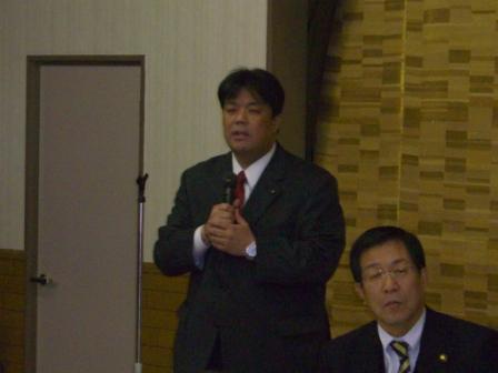 2011.1.14 貝塚支部旗びらきにて挨拶を行う