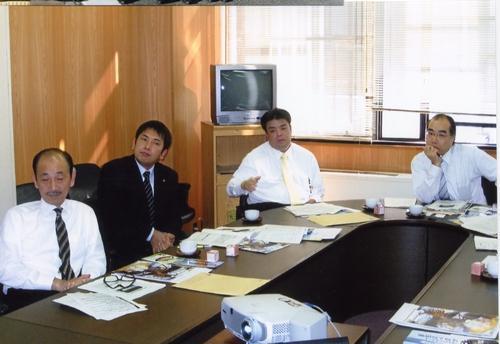 2010.11,4~5 厚生常任委員会で宮崎県延岡市と宮崎市を訪れ医療関係と障がい者せさくについてレクチャーを受ける