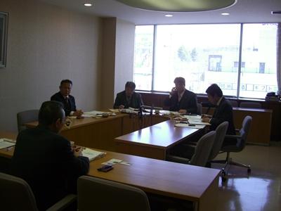 2012.2.20  三重県名張市へ「空き地管理条例」の勉強にうかがう