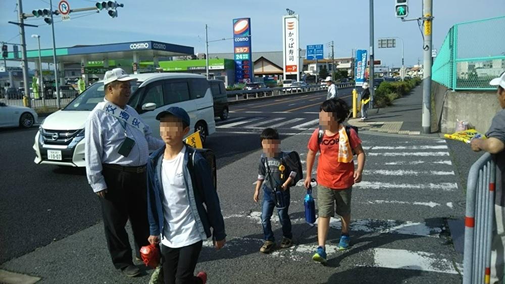 2019.5.15 春の交通安全運動 東小学校周辺で交通安全の取り組み